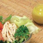合わせ酢で蒸し鶏と野菜の味噌ドレッシング