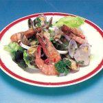 玄米黒酢でシーフードサラダ